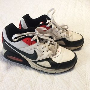 Nike Air Max red and white contrast sneakers 8